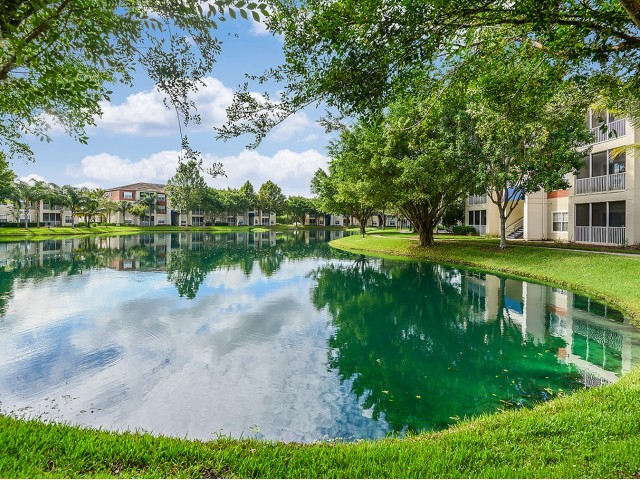 Apartment homes with water views | Bradenton FL