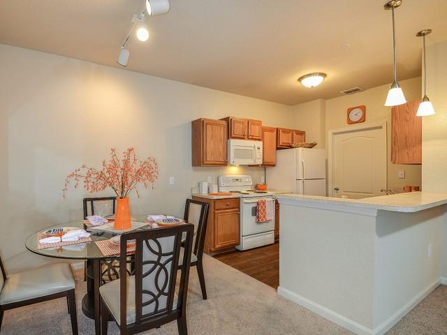 Orange city fl apartment rentals grandeville on saxon - 3 bedroom apartments orange county ...