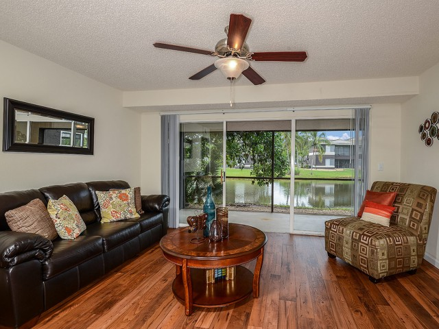 Iona lakes apartments fort myers florida apartment homes florida apartments for One bedroom apartments fort myers