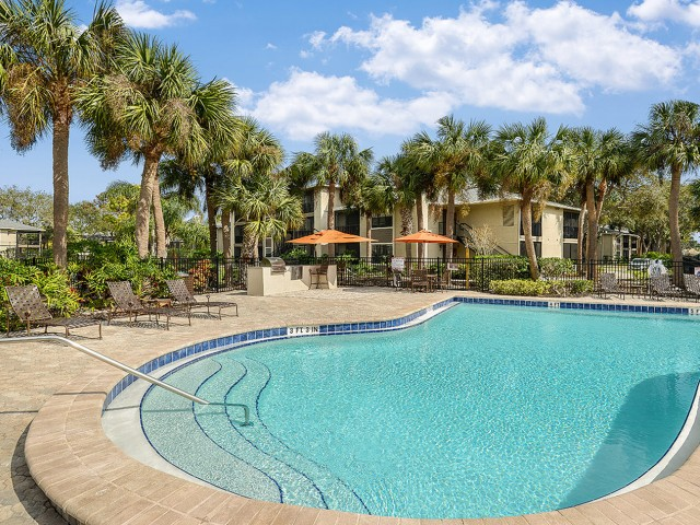 Apartment complex pool | Plantation Club at Suntree