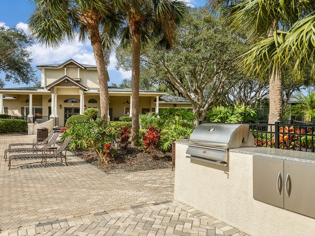 Outdoor grill | Picnic area | Plantation Club at Suntree apartments