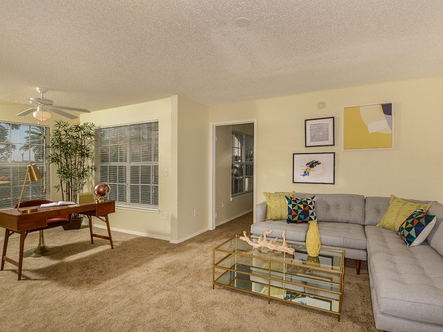 Living room with sun room | Royal St George rental