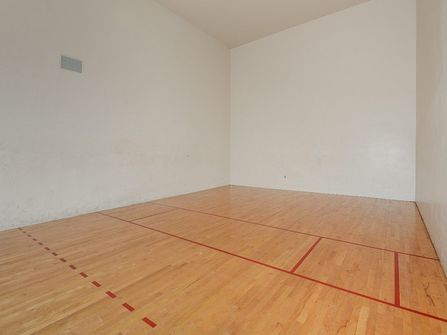 Racquetball court at Via Lugano fitness center