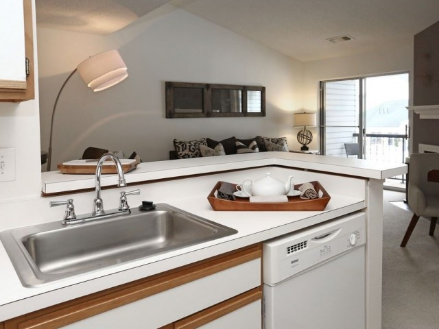 The pavilions apartments manchester ct apartments university of kitchen malvernweather Choice Image