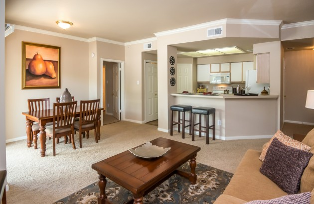 Our large floor plans offer plentiful space, come discover our townhomes & 3 bedroom options