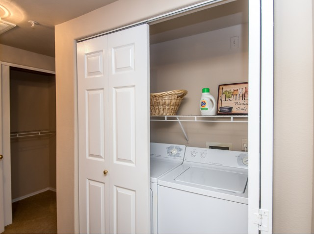 Apartment with in-home laundry | Madison at Scofield Farms