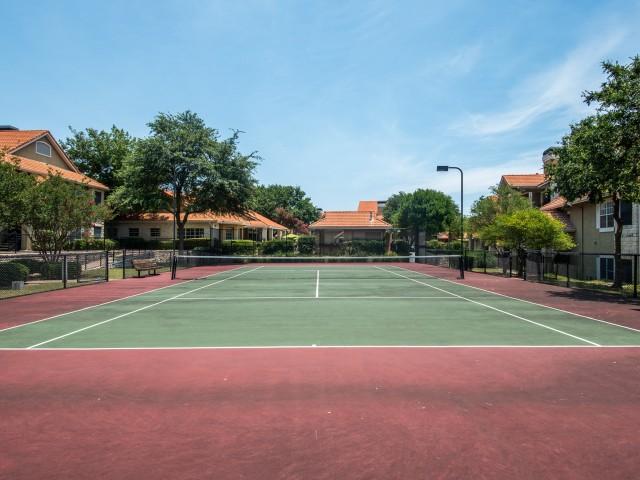 Community tennis courts | Austin TX apartments | Madison at Scofield Farms
