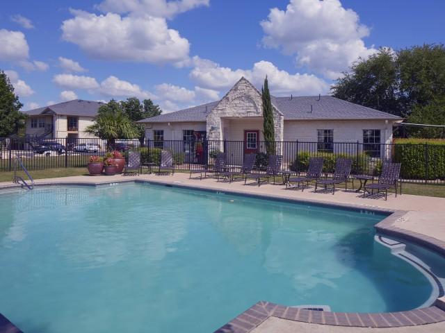 Cedar Park apartment complex with Pool