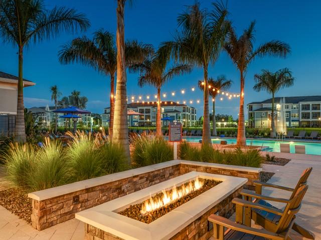 Echo Lake apartment amenities