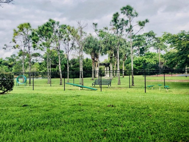Floresta apartments with dog park
