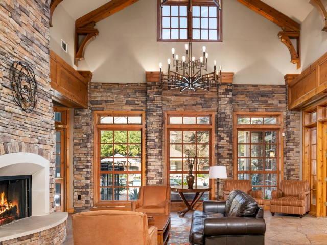Resident clubhouse   Lodge at Lakeline apartments