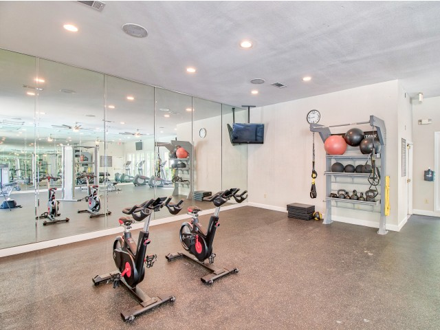 Apartment gym | Lodge at Lakeline