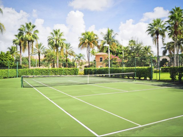 Tennis court | Via Lugano apartment complex