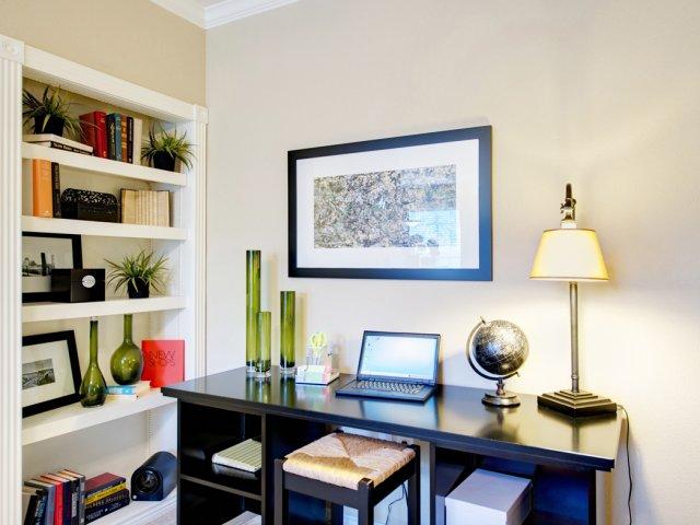 Built-in desk | Built-in Bookshelves | High-end Austin apartments