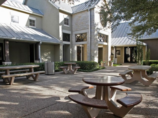 Picnic and grill area | Monterey Ranch