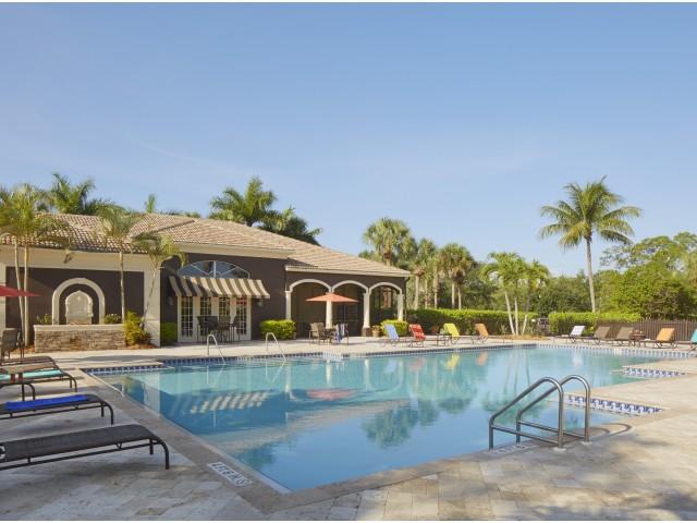 Ashlar apartments | resort swimming pool