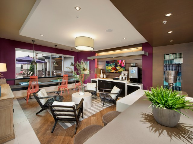 Clubhouse lounge   Rialto apartments in Orlando