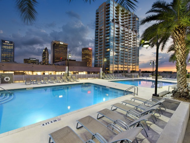 Downtown Tampa apartments with pool   Element