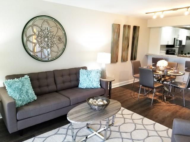 Jupiter Isle apartment living room