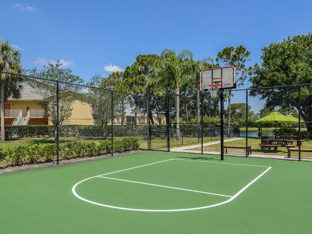 Apartment community basketball court | Lakeside at Greenboro