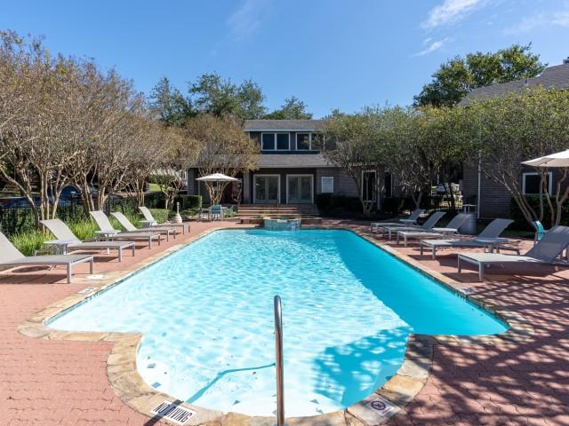 Swimming pool at Canyon Creek apartments