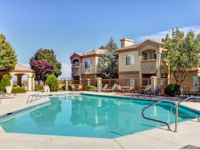 Swimming Pool | Rio Rancho apartment community