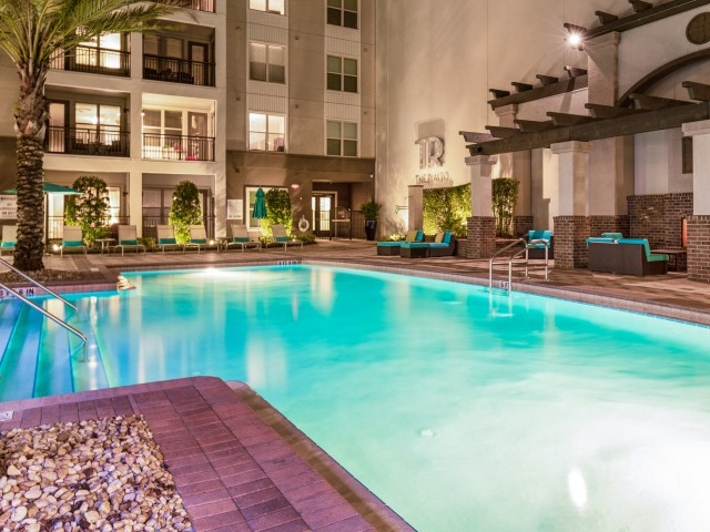 Resort style swimming pool at The Rialto apartments