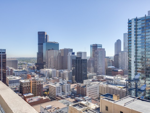 Image of High-rise Lifestyle located on floors 17-30 with Breathtaking Views for Auraria Student Lofts