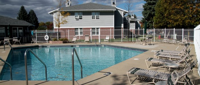 Swimming Pool at Foxcroft Apartments