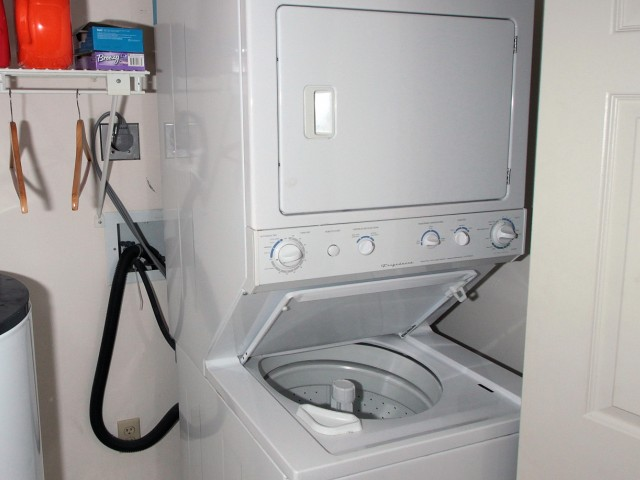 Image of Washer/Dryer for Foxcroft Apartments