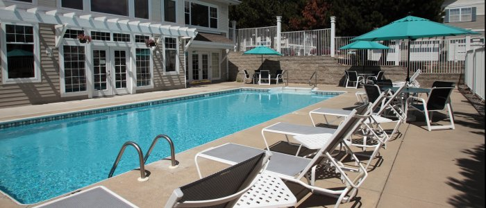 Swimming Pool at Arbor Ridge Apartments