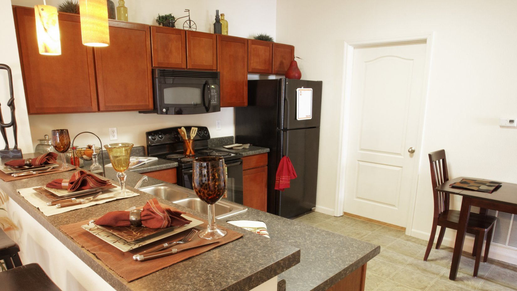 Eat In Kitchen   Savoy Apartments   The Village at Colbert Park