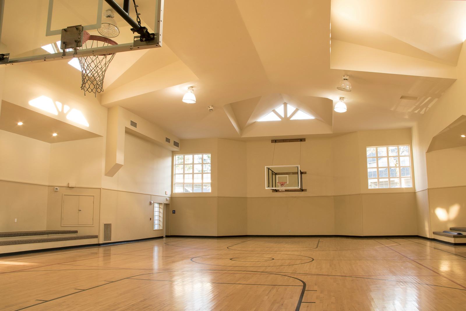 Canyon Park Basketball Court | Puyallup WA Apartments For Rent | Canyon Park