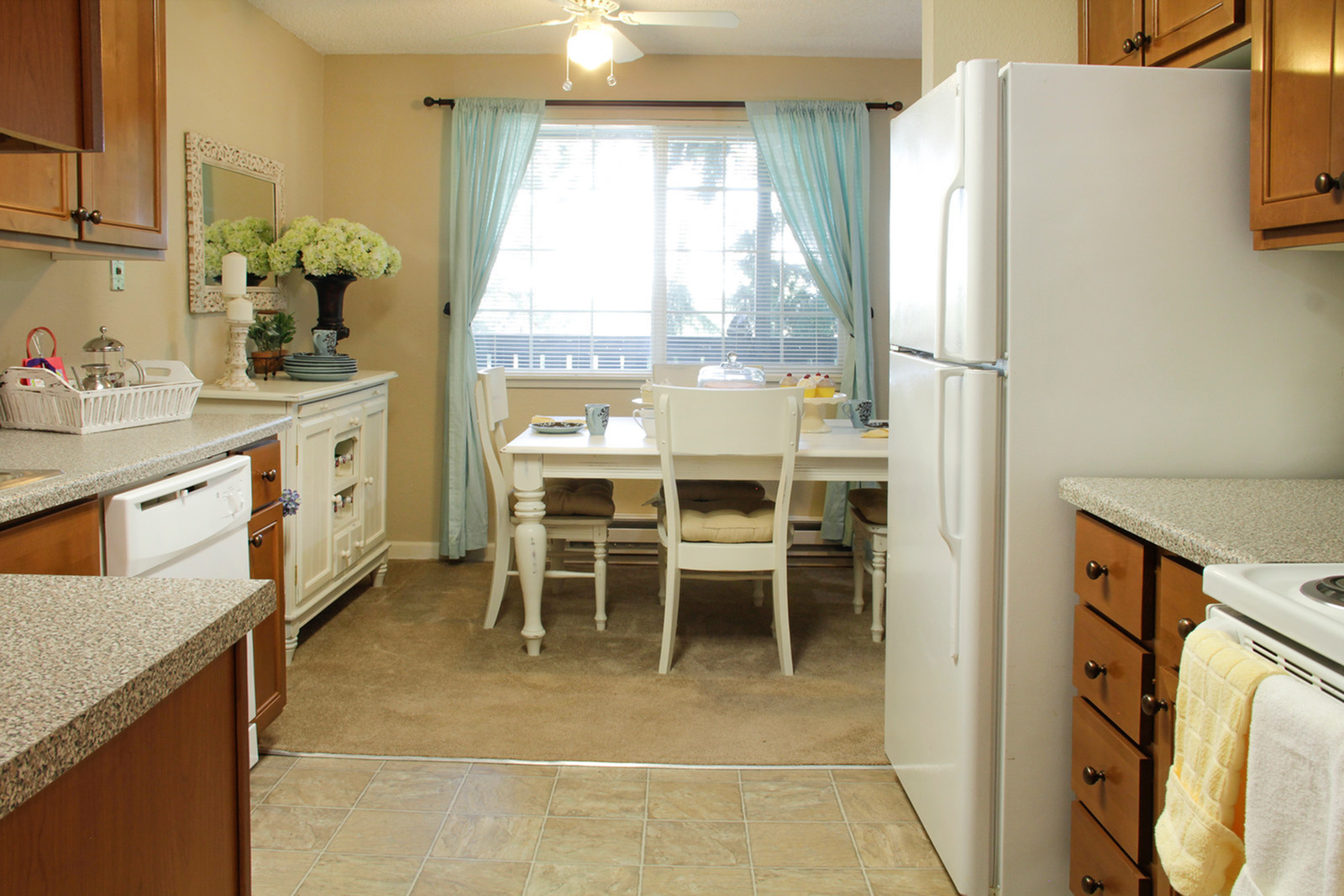 Apartments in University Place, Tacoma WA | Abbey Lane