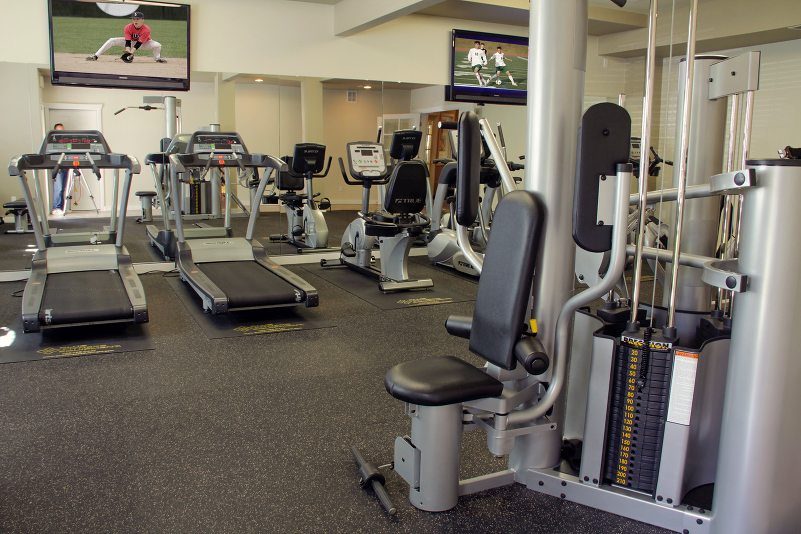 Resident Fitness Center | Apartments Tacome, WA | Nantucket Gate
