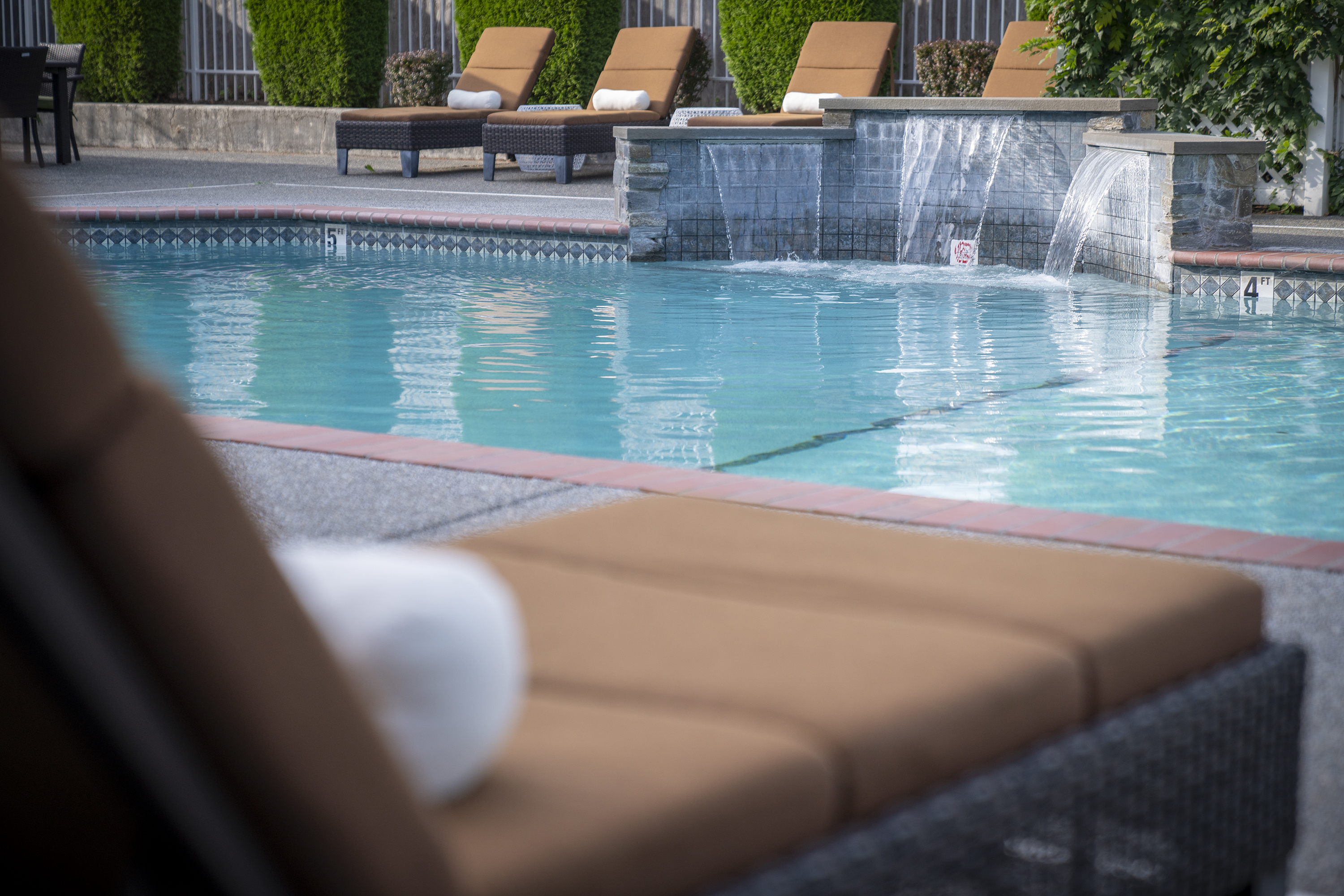Image of Summer Seasonal Jacuzzi and Pool for Nantucket Gate Apartments