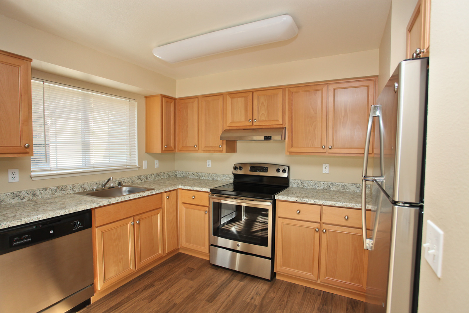 Renovated kitchen stainless steel | Puyallup WA Apartments For Rent | Canyon Park