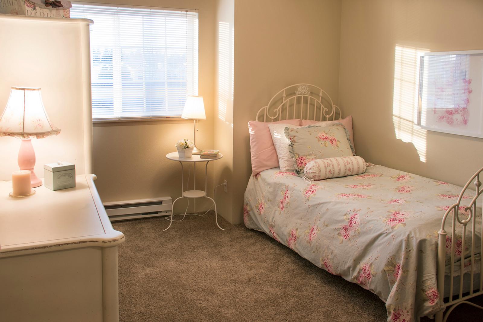 Beautiful Renovated 1 2 3 Bedroom Apartments| Puyallup WA Apartments For Rent | Canyon Park