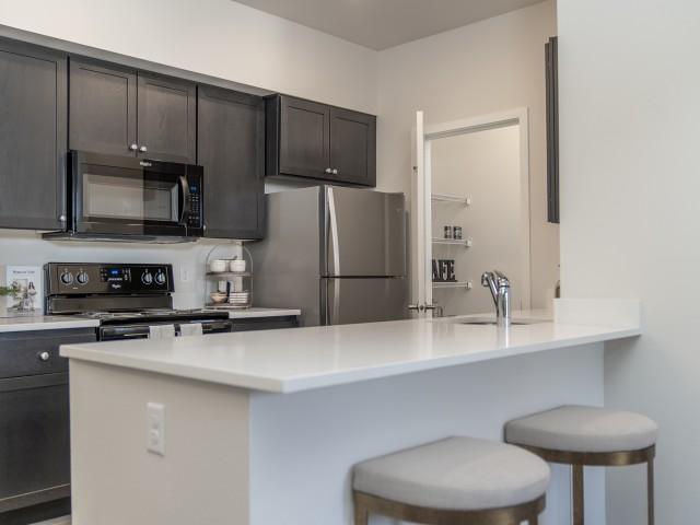 1500 Orchard Apartments, Kitchen