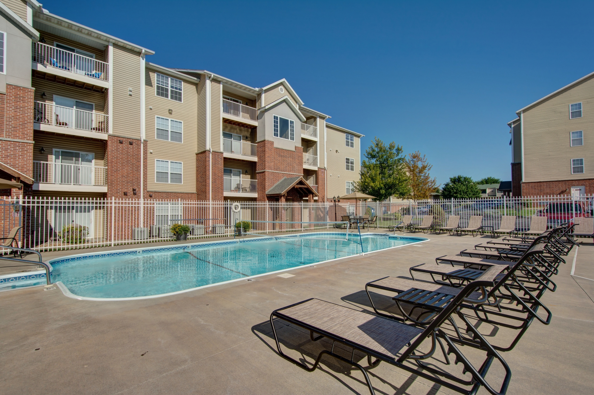 Apartment Community In Springfield Coryell Crossing