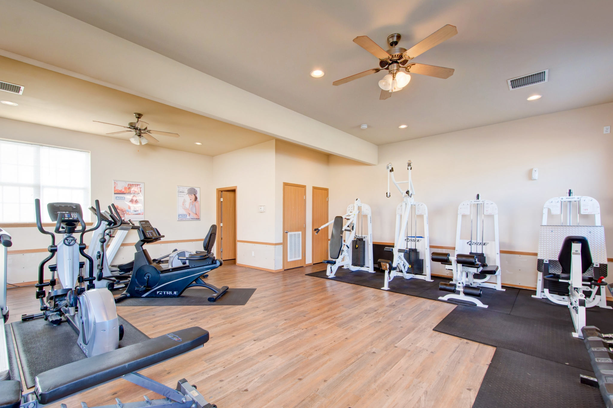 Cambridge Park Apartments amenity fitness facility with workout equipment