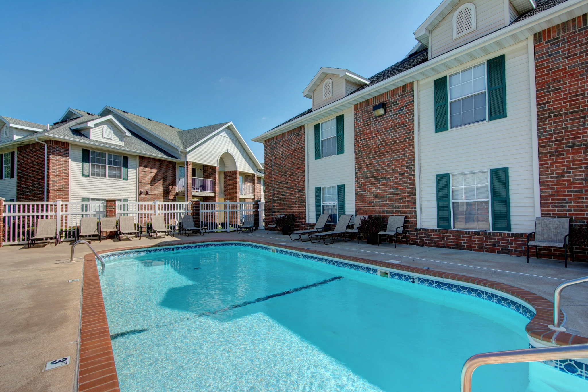 Hawthorn Suites Apartments - Springfield, MO - TLC Properties - Rent - Pool - Swimming Pool