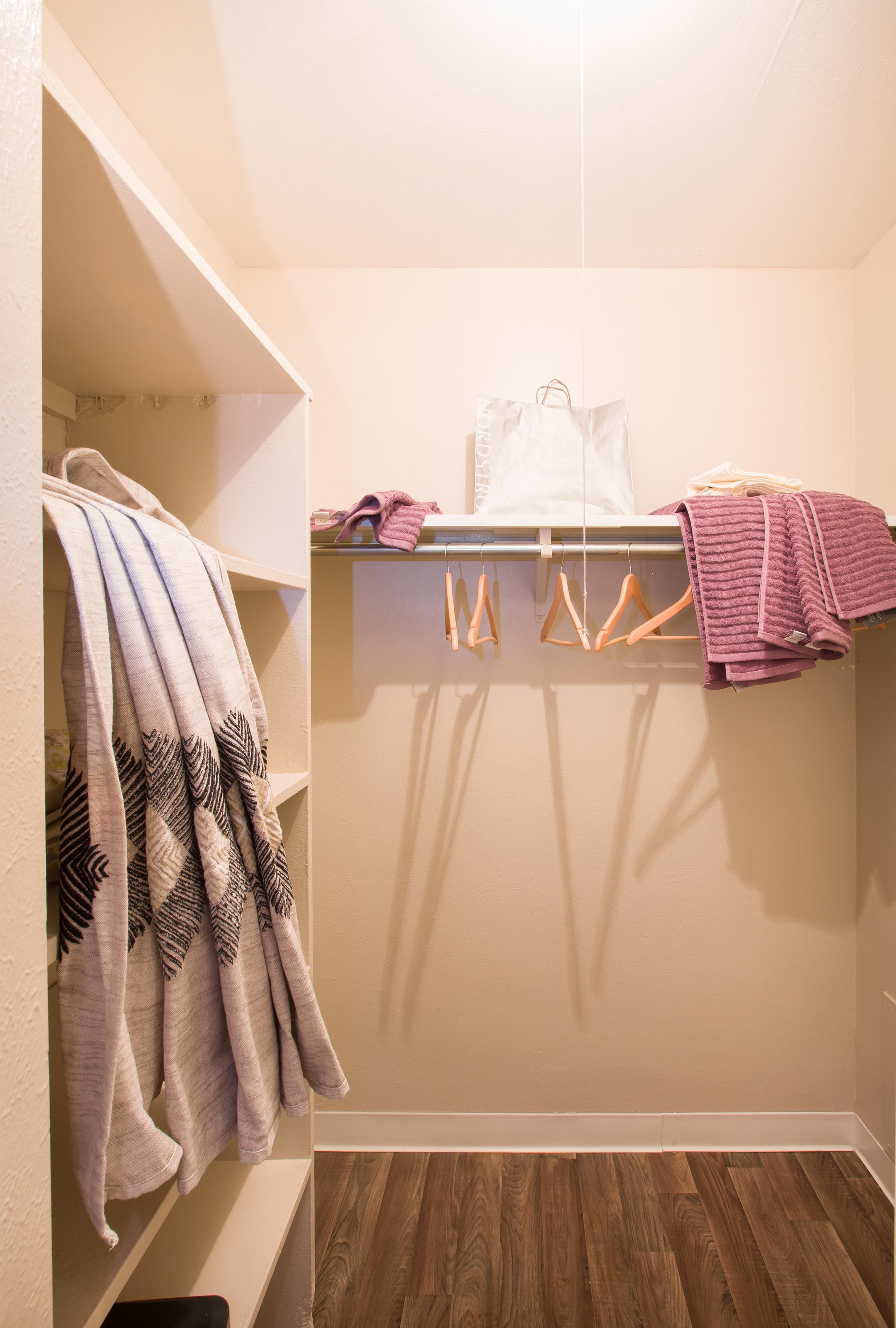 Image of Walk-In Closets for Vista Park