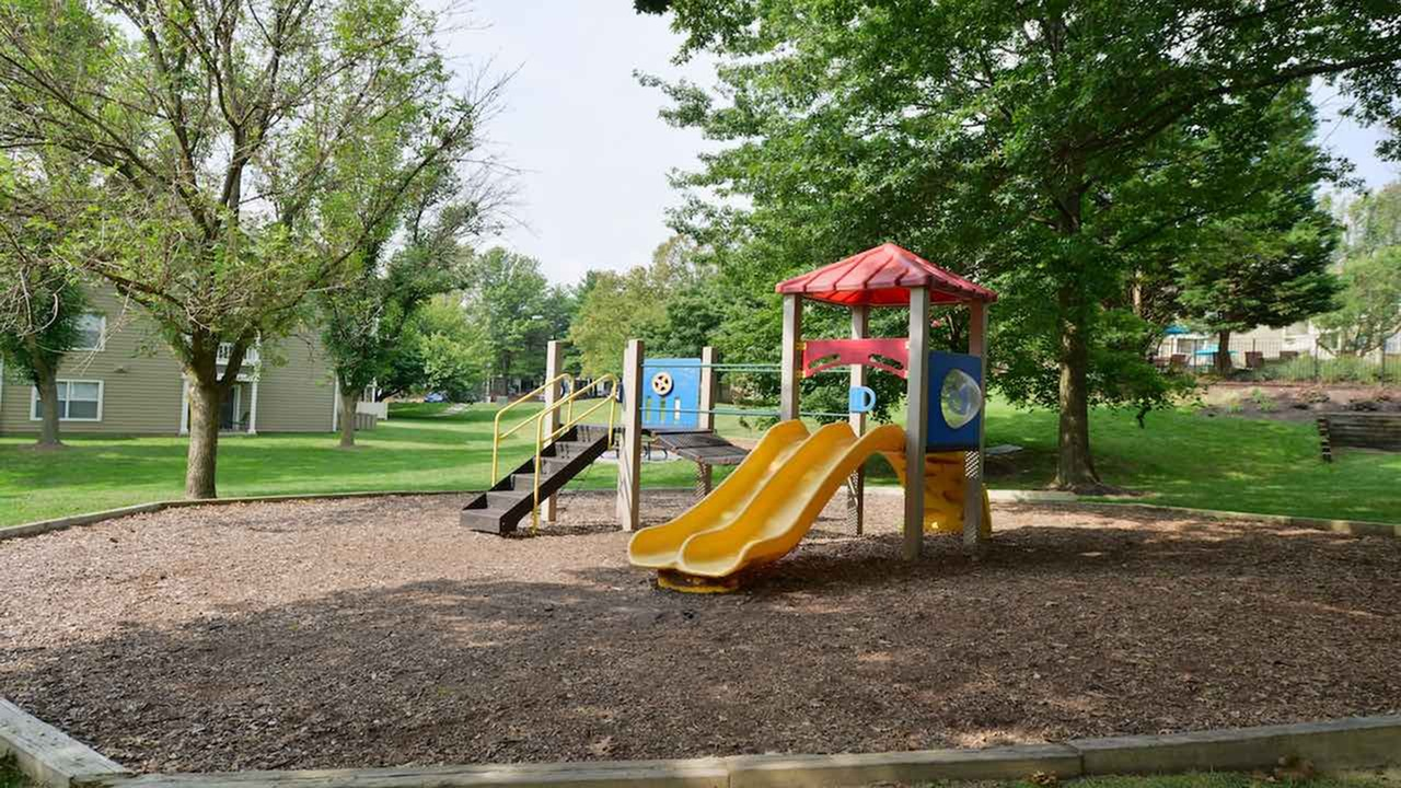 Community Children\'s Playground | Apartments in Columbia MD | Alister Town Center Columbia