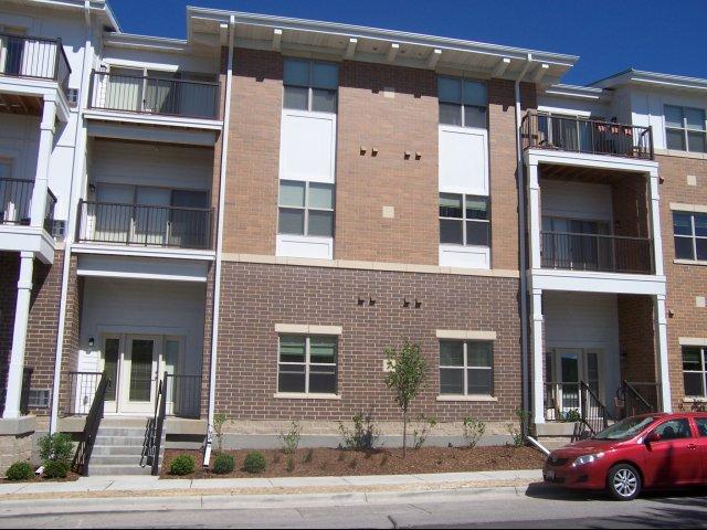 Waunakee wi apartment rentals madison and main - Exterior house washing madison wi ...