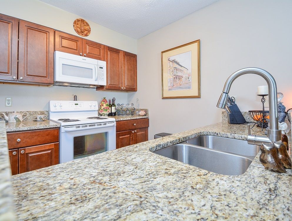 Image of Granite Countertops* for Middleton Cove