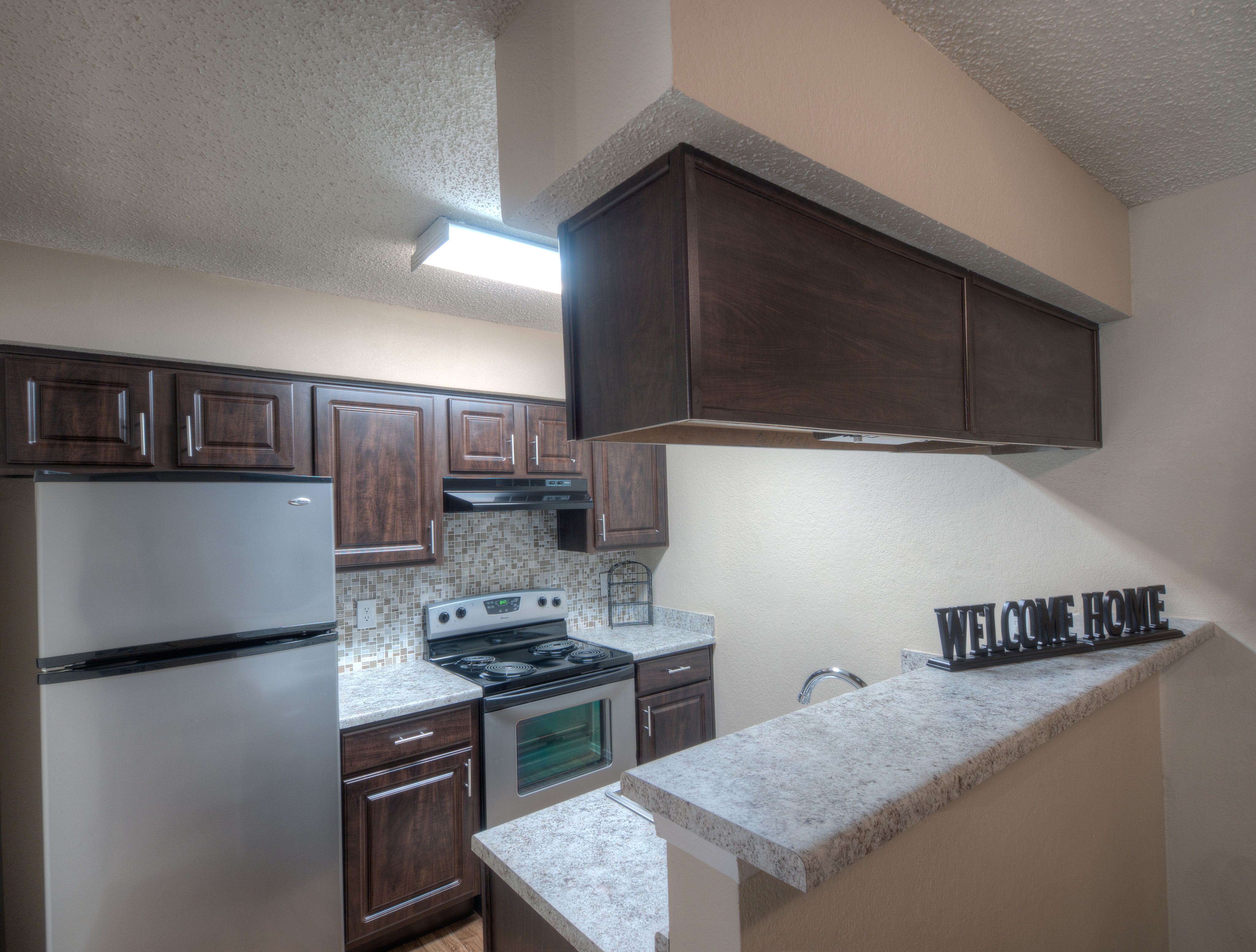 Stainless Steel Appliances | Kitchen | Woodchase Apartments