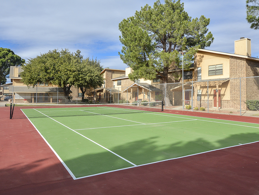 Tennis Courts | Country Crest Apts