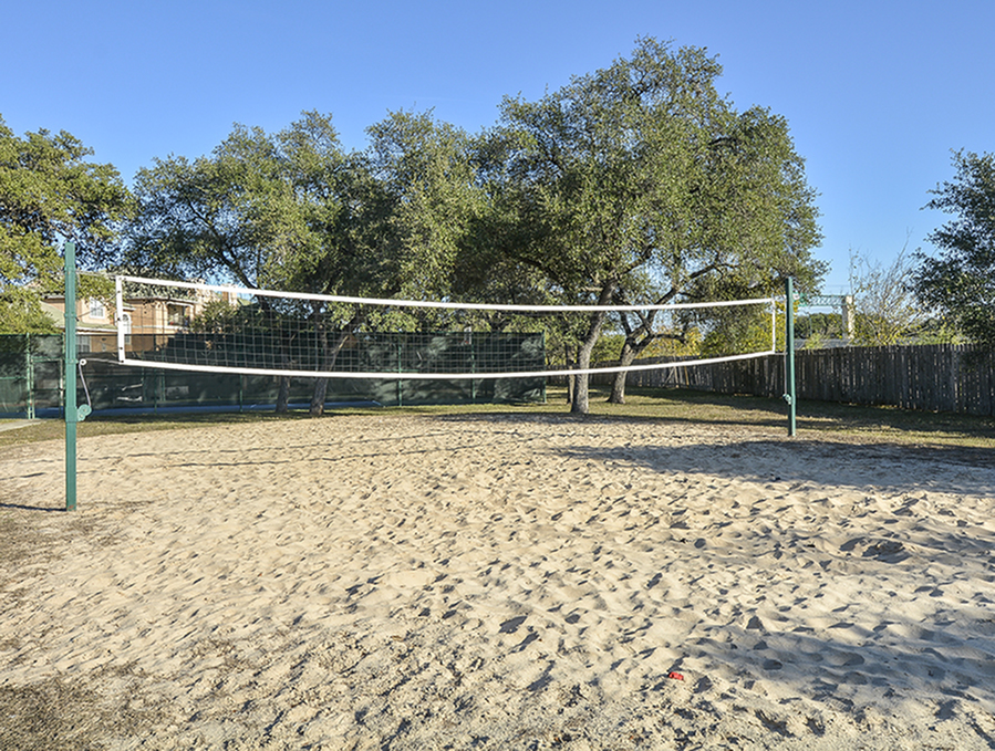 Sand Volleyball Court | Indian Hollow Apartment Homes