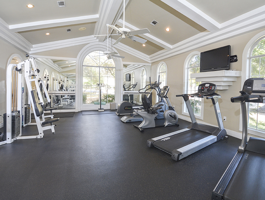 Weight Machines | Cardio Equipment | Fitness Center | Indian Hollow Apts
